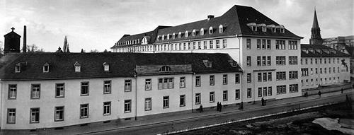 Historische Außenansicht des Krankenhauses