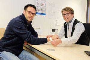 Das Patientenarmband erhält der Patient bei der Aufnahme im Klinikum Aschaffenburg-Alzenau